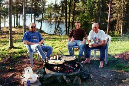 Canada Outfitters shore lunch in Northwest Ontario Canada (#10)